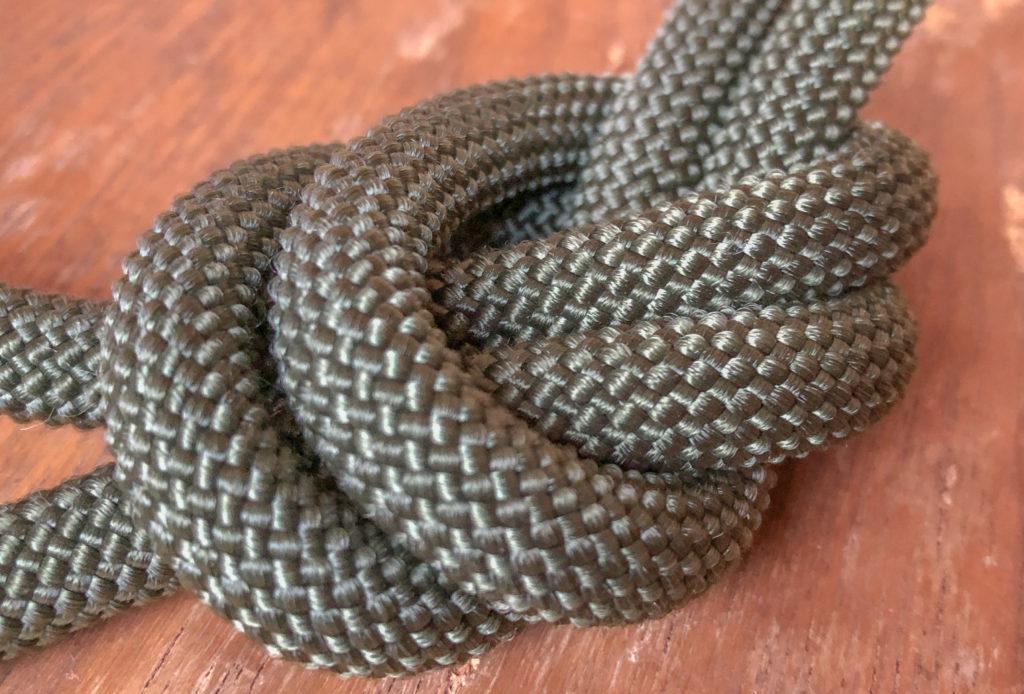 ヨセミテストラップはクライミングロープを使っているから、繊維はこんな感じに編み込まれています。