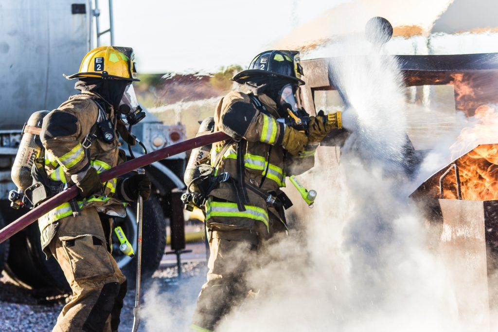 消防士とか。