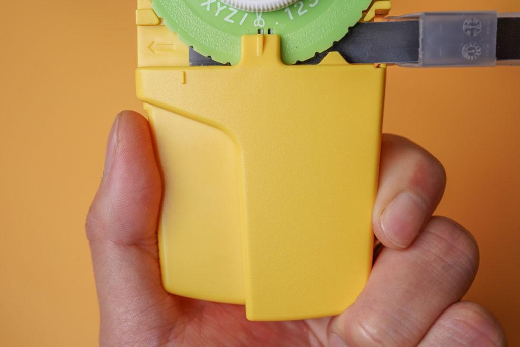 下の写真の位置がテープのスタート位置。